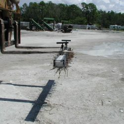 wrasse-fork-mounted-magnetic-sweeper-bluestreak-equipment-concrete-manufacturing-1