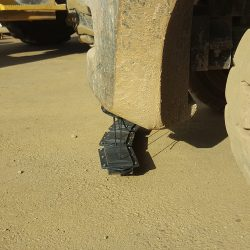 NOMIC magnet mounted magnetic sweeper
