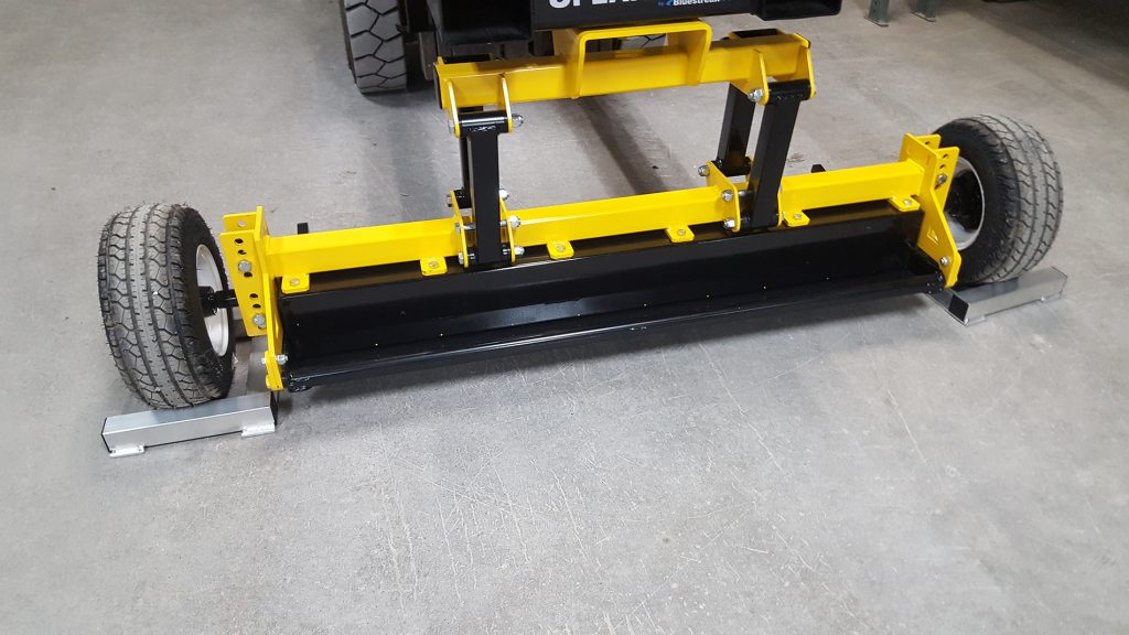 UPLAND Magnetic Sweeper In Wheelchocks